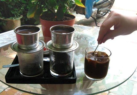 2 стакана вьетнамского кофе